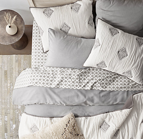 Garment Washed Sateen Washed Ikat Dot Bedding Collection